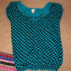 Turquoise gingham patterned top with elastic edges